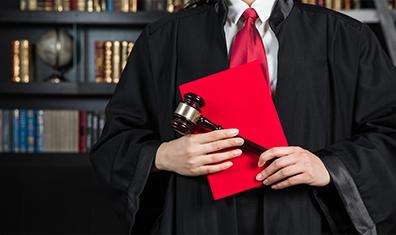 最高法院:严肃查处充当诉讼掮客的法院干警